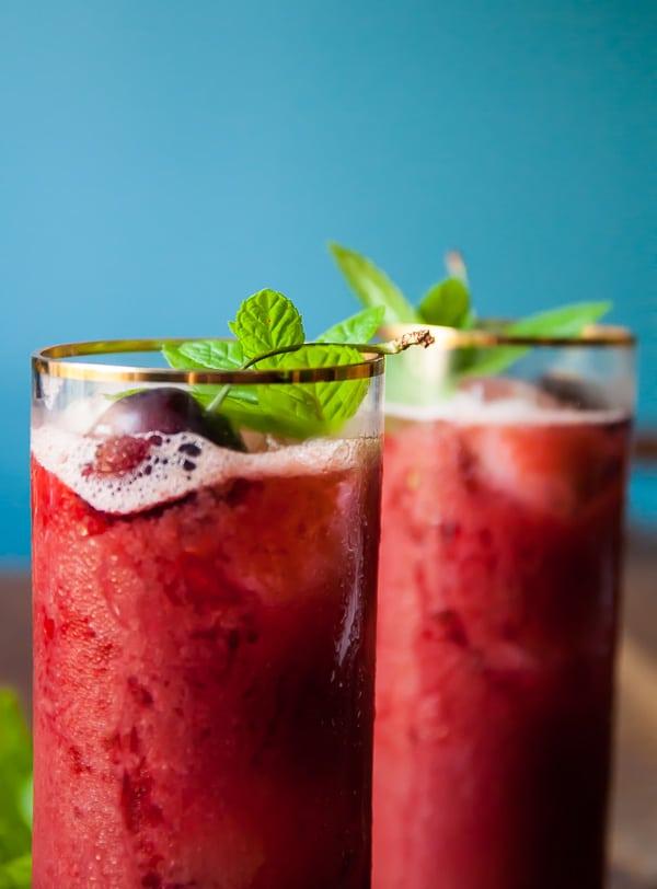Cherry Mint Lemonade//heartofabaker.com