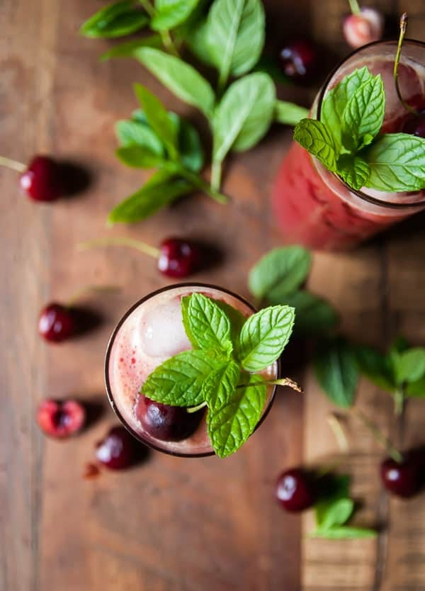 Cherry Mint Lemonade//heartofabaker.com