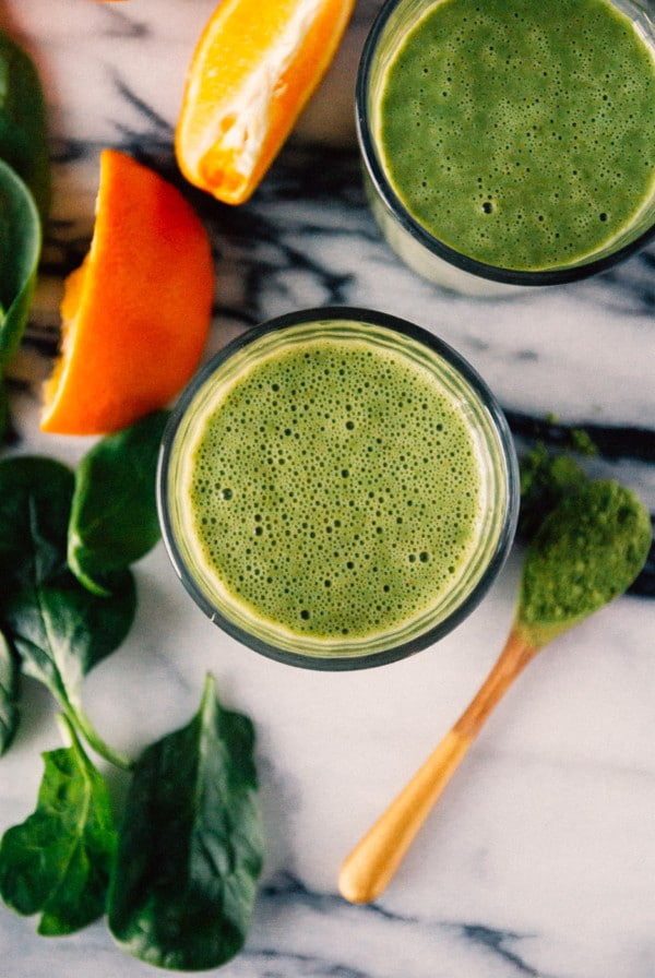 Orange Matcha Smoothie-Orange and matcha come together to create a perfect cold busting matcha smoothie!