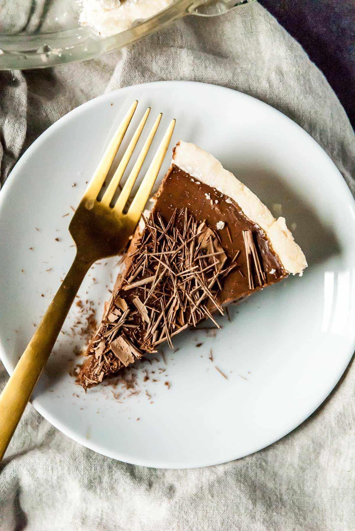 slice of vegan chocolate cream pie