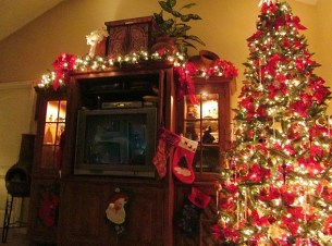 tv-unit-and-tree