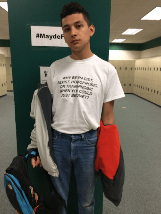 A teenager from Texas is going insanely viral on Twitter after posting a photo of himself rocking a shirt with a simple but powerful AF message.