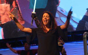asl interpreter at a live concert event