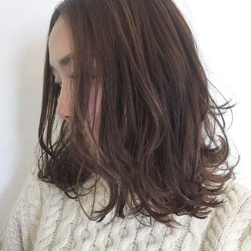 中途半端な長さのボブならではの可愛さ♡ やりすぎないカラーは、実はものすご〜く手間をかけて計算されたこだわりのカラー。派手になり過ぎない、大人ヘアスタイルに♡#AKIKO #hearty #高崎美容室ハーティー#ロブ #大人可愛い#大人ヘア#大人カラー#ゆるふわ @akikokiakikoki