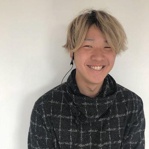 新人紹介🦓🦓蔡 幸男(さい ゆきお)です!お客様を笑顔にできるような接客をがんばります!なんと身長183センチ!!abondイチ高身長のさいくんはなんと台湾とのハーフです!!みなさんよろしくお願いします✩#abond#hearty#高崎美容室#新入社員