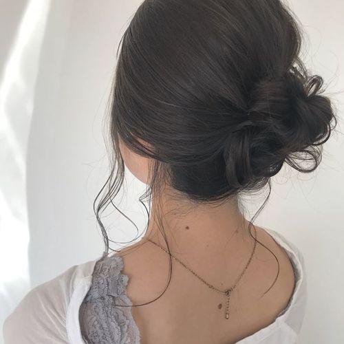 担当シオリ @shiori_tomii 女性らしいラフおだんごarrange色はくすみ感たっぷりのベージュcolor#hearty#shiori_hair #くすみカラー#ベージュカラー #高崎美容室#hairarrange #ヘアアレンジ