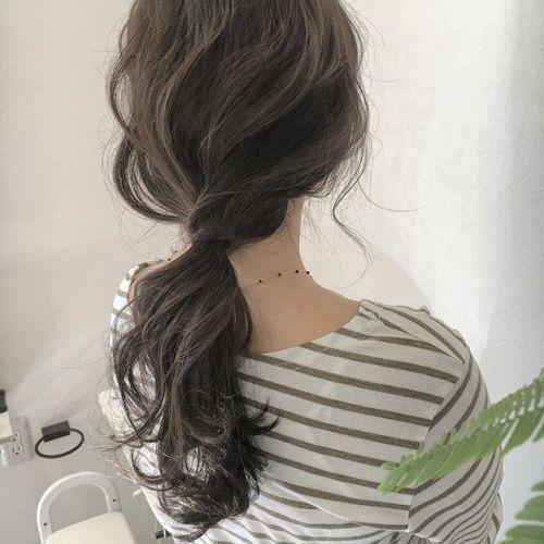style by @creamy_cn ..アッシュベージュに、シンプルに結っただけでも、可愛いです♡♡♡#HEARTY #高崎 #高崎美容室 #群馬 #群馬美容室 #ヘアアレンジ #ヘアセット #ローポニー