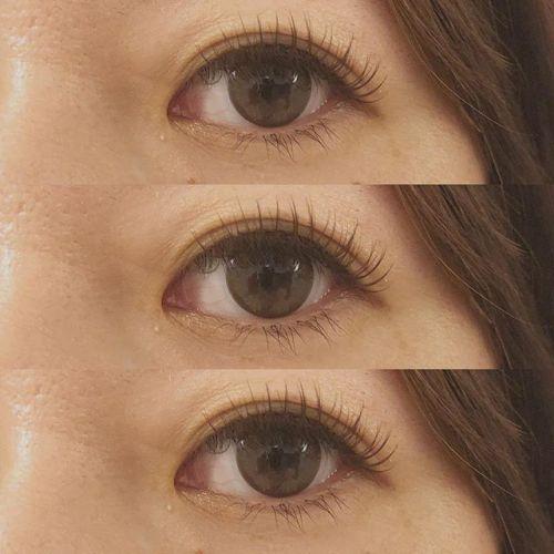 ..CカールからDカールにするお客様増えてきています♡.Dカールはカールが強いので下がりまつげの方にもオススメです♪.eyelist (( @__ememr )).#HEARTY #eyelash#dカール #カラーエクステ#マツエク #まつげエクステ