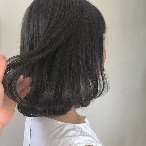 担当シオリ @shiori_tomii ブリーチなしの暗めなグレージュカラー🤸♀️#hearty#shiori_hair #グレージュ#高崎美容室#高崎
