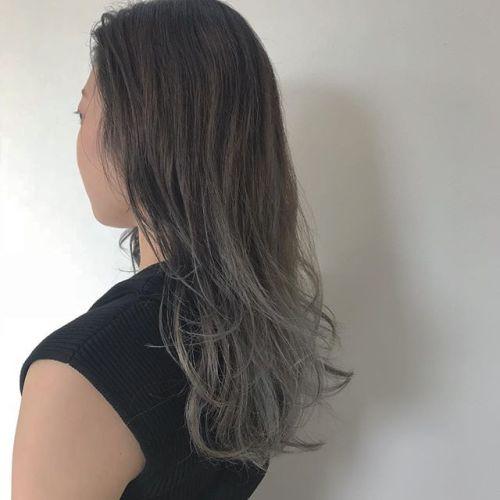 担当シオリ @shiori_tomii ホワイトアッシュのグラデーション#hearty#shiori_hair #ホワイトアッシュ#高崎美容室#高崎#ハイトーン