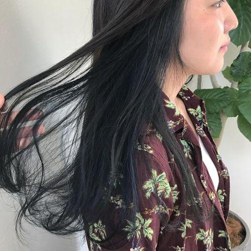 担当シオリ @shiori_tomii 全体はグレージュにインナーにblueを🥣🥣🥣夏はblue系が人気です#hearty#shiori_hair #グレージュ#透明感カラー #ハイトーン#ブルージュ#ブルー#ハイライト#高崎#高崎美容室