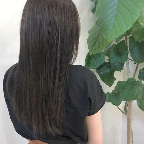 担当シオリ @shiori_tomii マットベージュに染めた後にロイヤルトリートメントをしたので艶も色持ちも最高です♡#hearty#shiori_hair #マットベージュ#ベージュ#グレージュ#ブルージュ#ヘアカラー#ヘアスタイル#高崎美容室#高崎