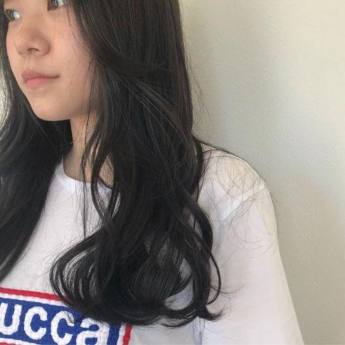 担当シオリ @shiori_tomii 黒染めはしないで自然な色素薄め風な地毛をめざして#hearty#shiori_hair #グレージュ#ヘアカラー#ヘアスタイル#高崎美容室#高崎