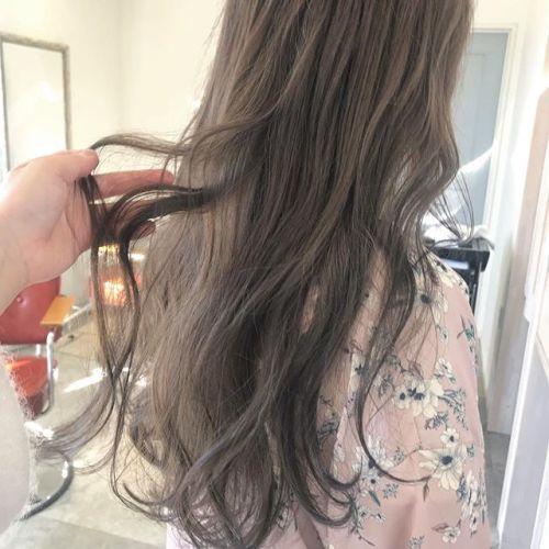 担当シオリ @shiori_tomii ブリーチなしのラベンダーベージュベースが元々明るければブリーチなしでここまでできます#hearty#shiori_hair #ラベンダーベージュ#ベージュ#ヘアカラー#ヘアスタイル#高崎#群馬#高崎美容室#群馬美容室