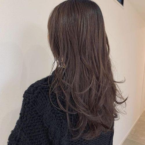 担当シオリ @shiori_tomii レイヤーをたっぷりいれて深みのあるチョコレートブラウンに#hearty#shiori_hair #レイヤーカット #ロングヘア#チョコレートブラウン#高崎美容室#群馬美容室#高崎#群馬