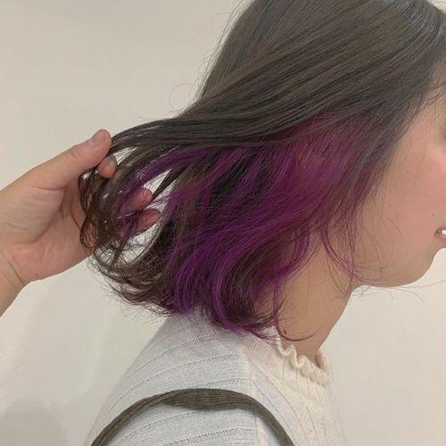担当シオリ @shiori_tomii LIVE仕様にビビットなvioletをインナーにonベースはグレージュで透明感カラーにしました#hearty#shiori_hair #グレージュ#パープルカラー #ポイントカラー#インナーカラー#高崎美容室#群馬美容室#高崎#群馬