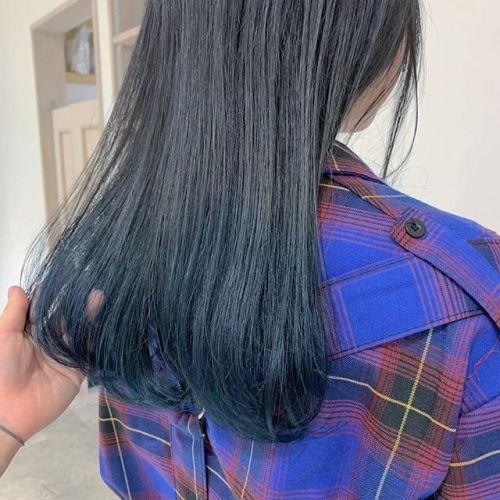 担当シオリ @shiori_tomii ブルージュからの毛先ブリーチしてネイビー🦕🦕🦕#hearty#shiori_hair #ブルージュ#ネイビー#ブルー#グレージュ#高崎美容室#群馬美容室#高崎#群馬
