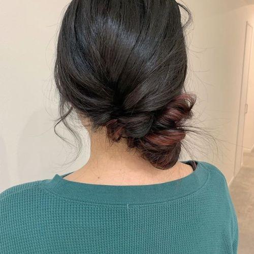 担当シオリ @shiori_tomii ポイントカラーをいれてアレンジするとこんなかんじですおすすめですよ!#hearty#shiori_hair #ポイントカラー#カラーバター#ボルドー#ヘアアレンジ#ヘアセット#高崎美容室#群馬美容室#高崎#群馬