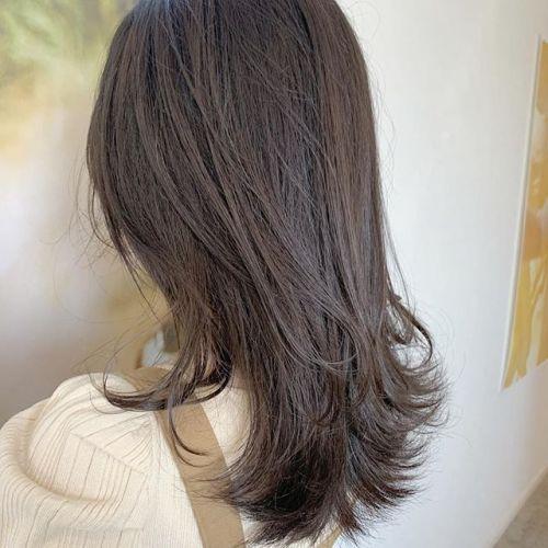 担当シオリ @shiori_tomii ブリーチなしのワンカラーアッシュベージュブリーチなしだとこのくらいの明るさなら可能です!個人差があるので相談しながら決めていきましょう#hearty#shiori_hair #アッシュ#ベージュ#高崎美容室#群馬美容室#高崎#群馬