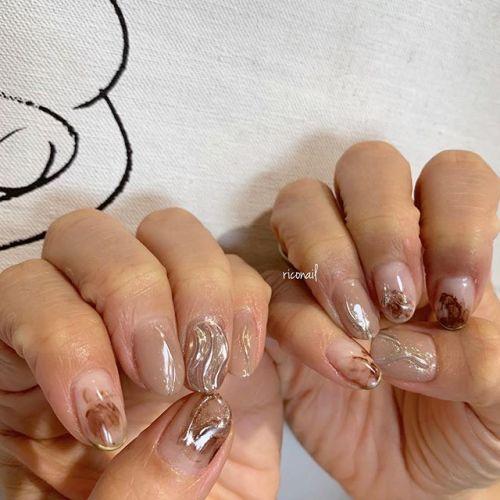 ブラウンとベージュのニュアンスネイル✩#riconail #HEARTY #abond #nail #nails #gelnail #gelnails #nailart #instanails #nailstagram #beauty #fashion #nuancenail #ネイル #ジェルネイル #ネイルデザイン #ニュアンスネイル #シアーネイル #個性派ネイル @riconail123