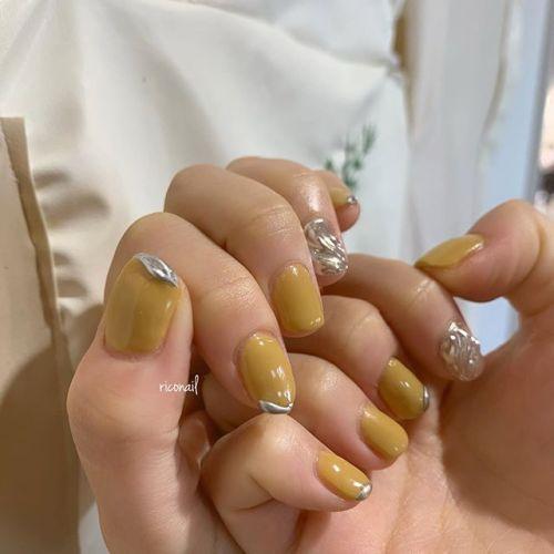 マスタードイエロー︎#riconail #HEARTY #abond #nail #nails #gelnail #gelnails #nailart #nuancenail #ネイル #ジェルネイル #ネイルケア #ニュアンスネイル #個性派ネイル #ミラーネイル @riconail123
