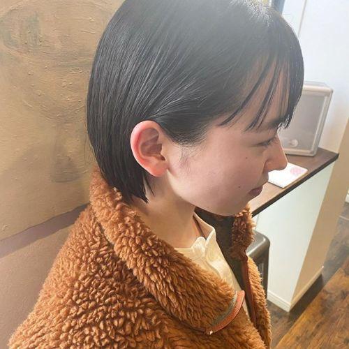 ミニボブ🏻🦰..hair by @jukito_yajima ..#ショートボブ #ショート#ショートヘア#ハンサムショート#ボブ#bob#ショートウルフ#ボブウルフ#オリーブ#切りっぱなしボブ#パッっとボブ#メンズヘア#メンズパーマ#ショートパーマ#ウルフパーマ#ツイストパーマ#cut#カット#カラー#パーマ#ロングレイヤー#ミディアムヘア#hair#ハイレイヤー#ハイライト#ハイライトカラー#バレイヤージュカラー#ミニボブ#minibob