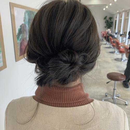 stylist シオリ @shiori_tomii #hearty#shiori_hair #グレージュ#ヘアセット#ヘアアレンジ#ヘアアレンジ動画#高崎美容室#群馬美容室#高崎#群馬