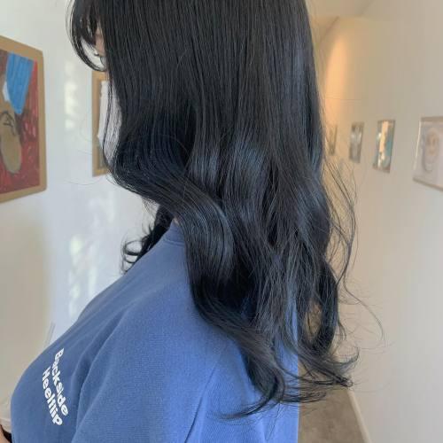 担当シオリ @shiori_tomii #hearty#shiori_hair #ブルージュ#ブルーブラック #ブルーカラー #ネイビーカラー #ネイビーブルー #韓国ヘア #高崎美容室#群馬美容室#高崎#群馬