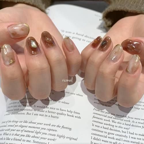 成人式ネイル⑅⑅***ご成人おめでとうございます!今年も新成人のお客様たちがネイルを任せてくださり嬉しかったです︎#riconail #HEARTY #abond #nail #nails #jelnail #高崎美容室 #nuancenail #ネイル #ジェルネイル #ネイルデザイン #ニュアンスネイル #成人式ネイル@riconail123