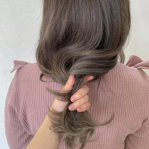 担当シオリ @shiori_tomii ティラミスグレージュ#hearty#shiori_hair #ティラミスグレージュ #グレージュ#アッシュベージュ#ベージュ#高崎美容室#群馬美容室#高崎#群馬