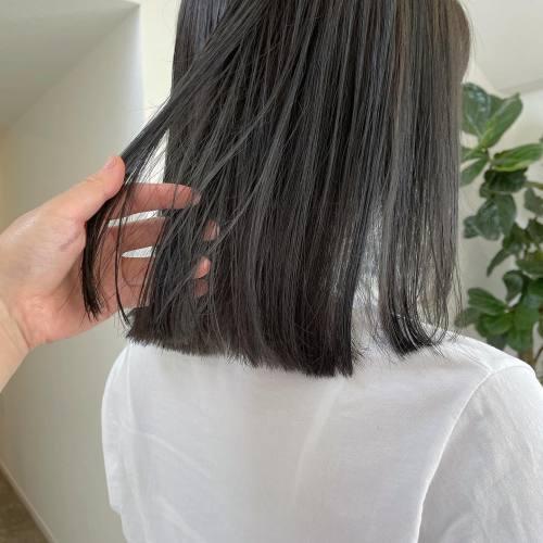 担当シオリ @shiori_tomii アッシュブルーにしてぷつっとcut🧚♀️あえて巻かないぷつっとhairおすすめです♡#hearty#shiori_hair #高崎美容室#群馬美容室#高崎#群馬