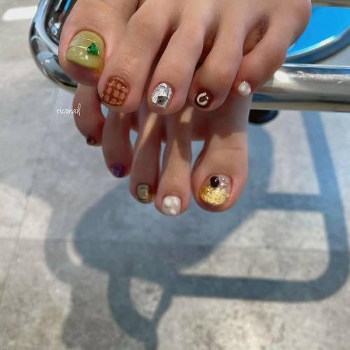 ハンドのお持ち込み画像をフットで再現⋆#riconail #HEARTY #abond #nail #nails #gelnail #gelnails #nailart #nuancenail #footnail #高崎美容室 #ネイル #ジェルネイル #ネイルケア #フットネイル #ニュアンスネイル @riconail123
