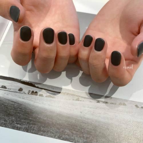 HEARTYスタッフ 永井くん( @r_r_1216 )のネイル⋆⋆今回は黒に近いグレーのマット☜#riconail #HEARTY #abond #nail #nails #gelnail #gelnails #nailart #nuancenail #footnail #高崎美容室 #ネイル #ジェルネイル #ネイルケア #ニュアンスネイル #メンズネイル #マットネイル @riconail123
