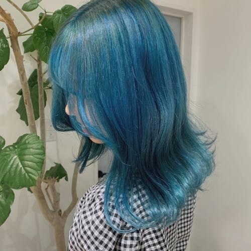 担当→コガワ @momokakogawa 明るめブルーとっても可愛かったです ~#ハイトーン#ブルーヘア#アイスブルー#ハイトーンカラー#ケアブリーチ#超音波トリートメント#高崎美容室#群馬美容室