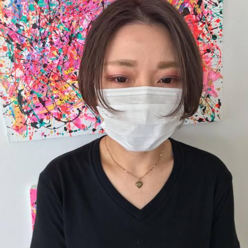 前髪部分をちょっと短く。このちょっとがスタイリングを面白くする@sugita_ryosuke #ハンサムショート#グラボブ#ショートボブ#群馬#高崎#高崎美容室#群馬美容室#センターパート#群馬カフェ#高崎カフェ#グレージュ#ラベンダーグレージュ