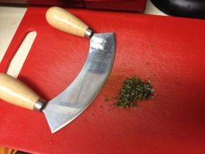 Mezzaluna knife not required