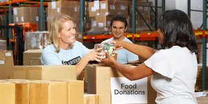 Ways Your Business Can Give Back This Holiday Season image