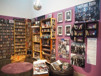 metal fan room