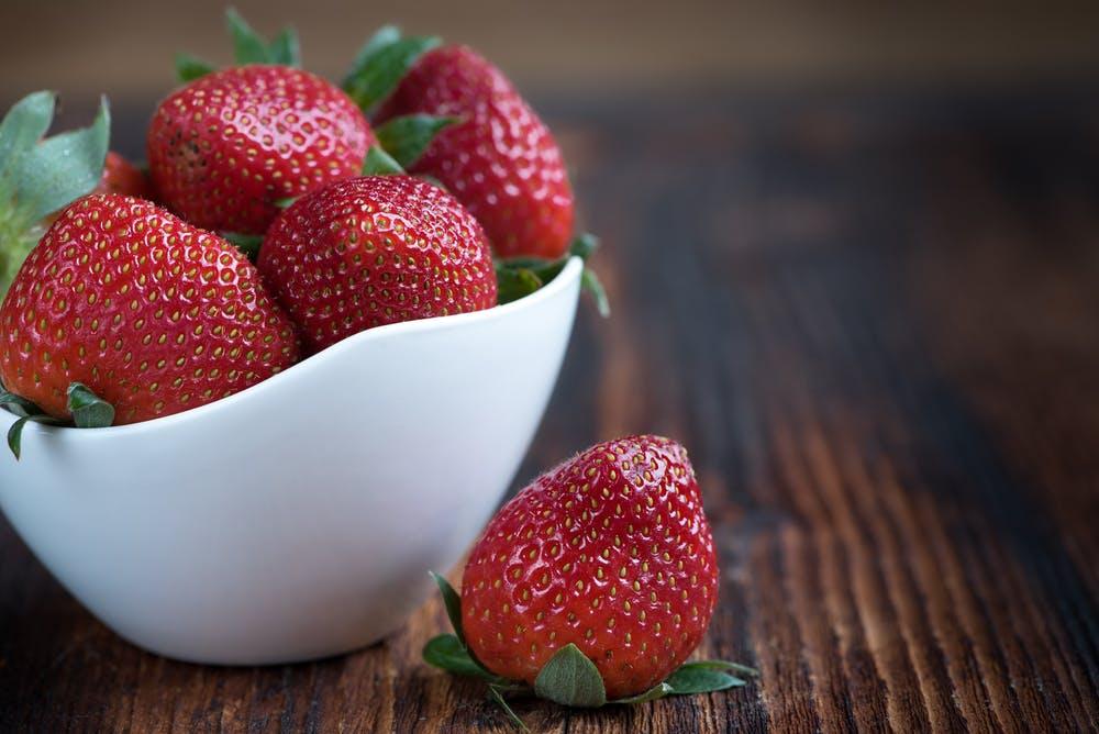 how to can strawberry jam using a dishwasher #heatherearles #herbnwisdom #naturalliving #strawberryjam #canning #homesteading #redfruit