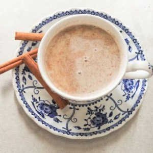 cinnamon soar throat tea to help combat the coronavirus #heatherearles #coronavirus #cinnamontea #herbnwisdom #naturalliving #healthblogger #healthpodcaster #virushealing #tea