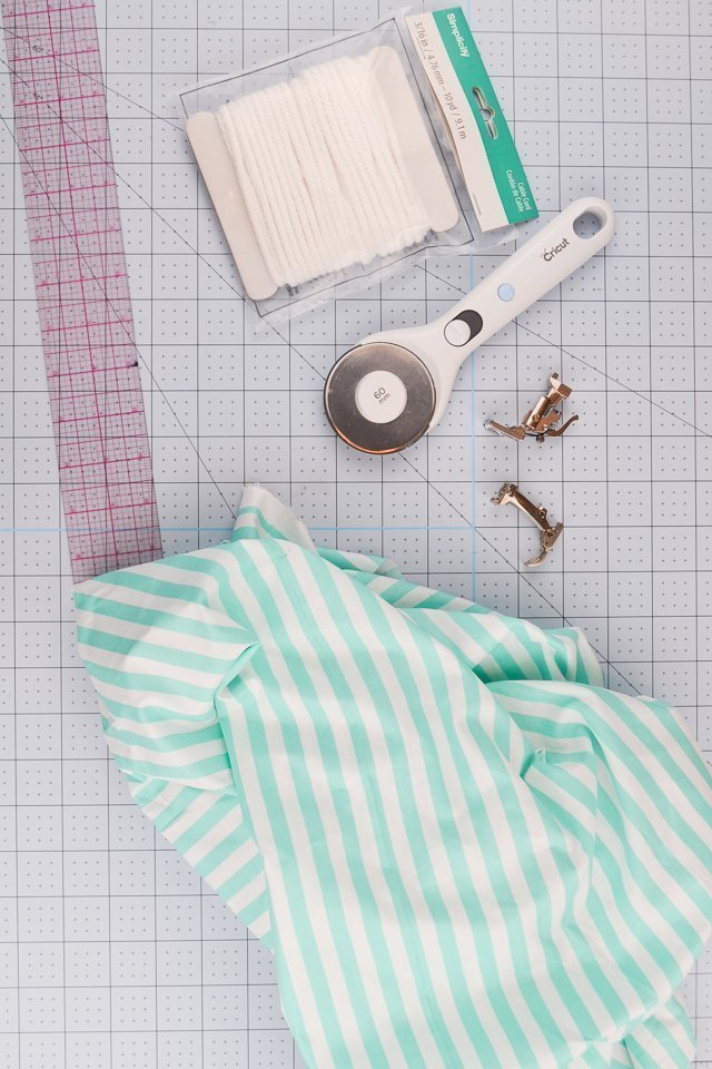 supplies to sew piping