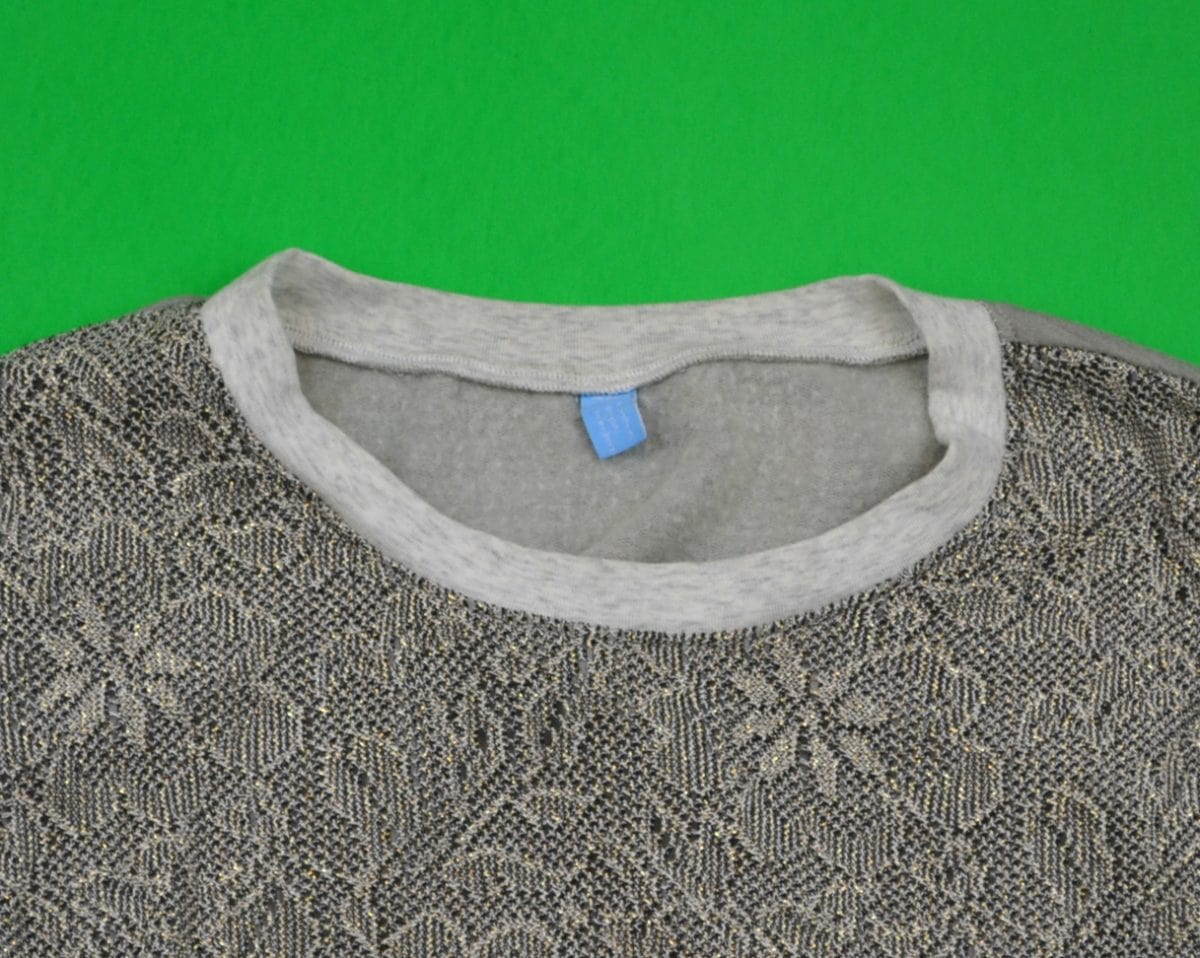 neckband on a sweatshirt