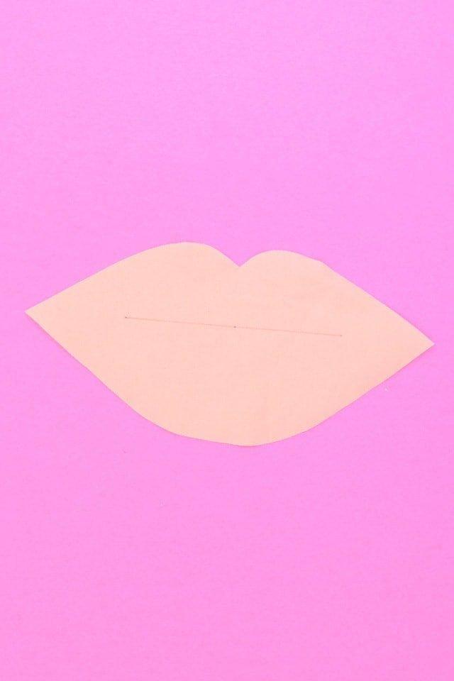 Lips Welt Pocket Tutorial // heatherhandmade.com