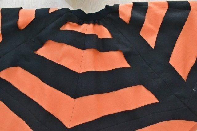 Spider Web Skirt Tutorial: Easy Halloween Skirt // heatherhandmade.com