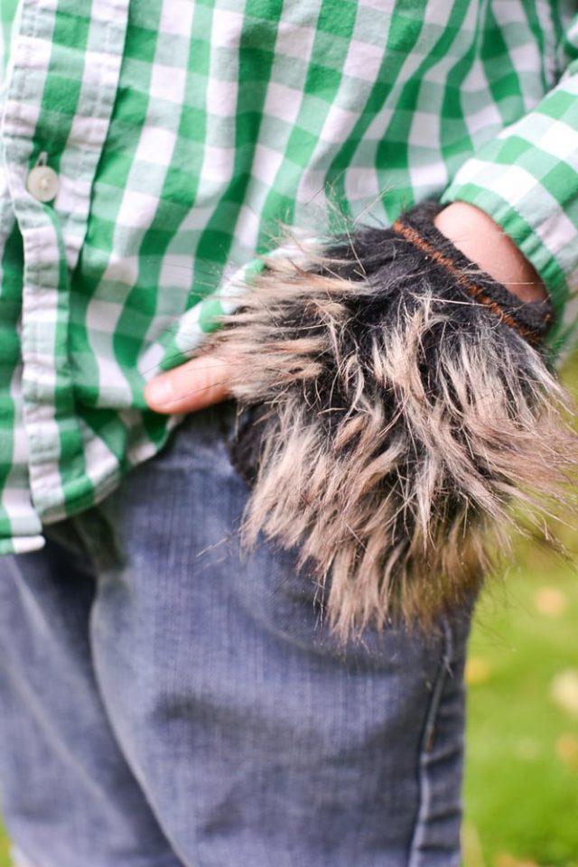 Easy DIY Werewolf Costume gloves