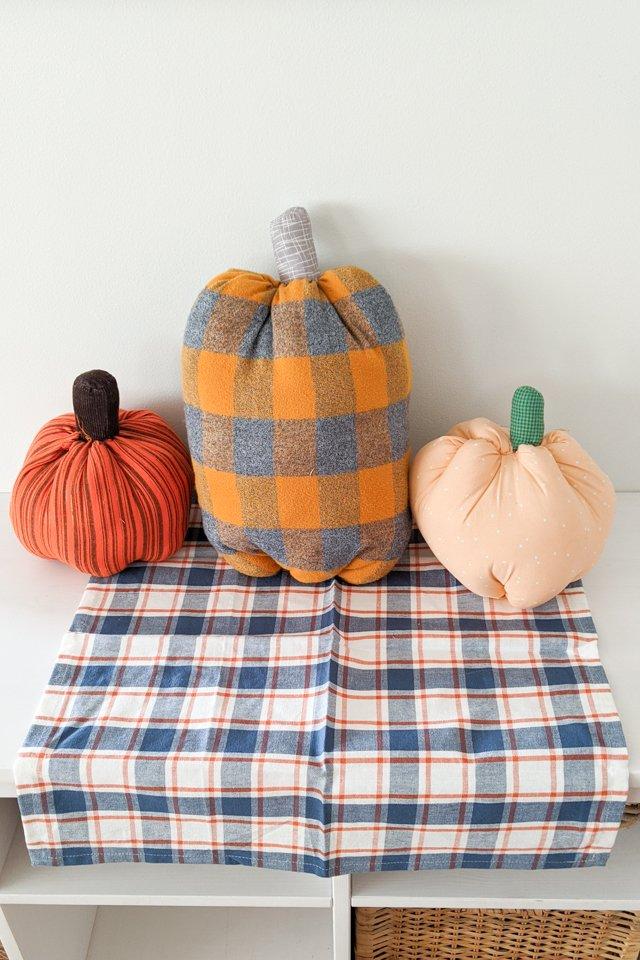 make fabric pumpkins