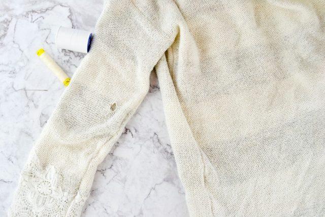 How to Fix a Hole in a Sweater // heatherhandmade.com