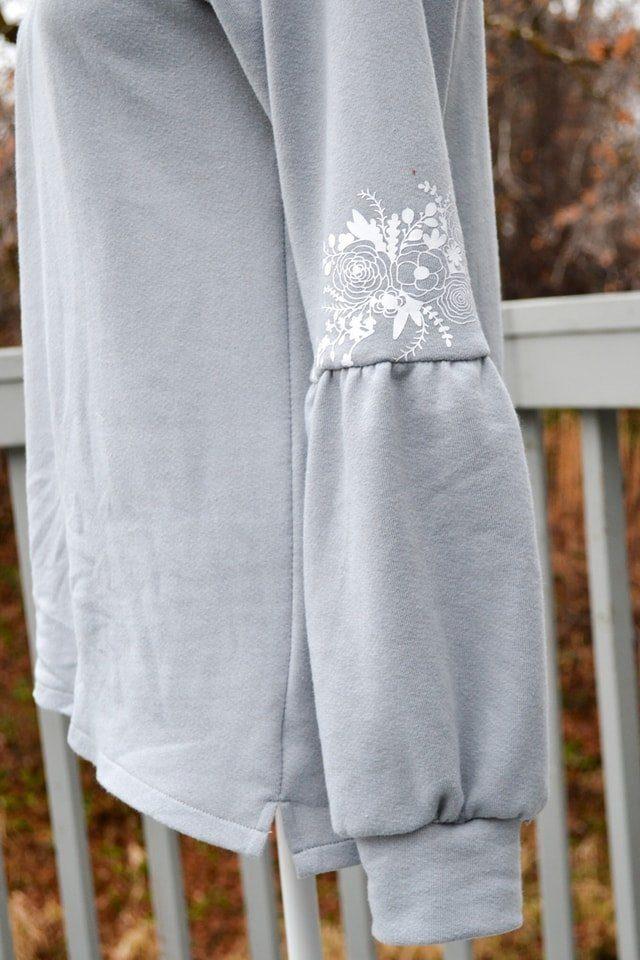 Balloon Sleeve Top Tutorial // heatherhandmade.com