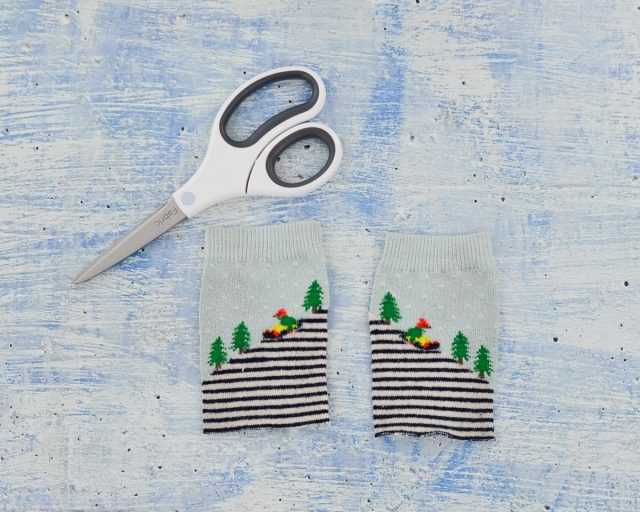 Used Sock Refashion Tutorial // heatherhandmade.com