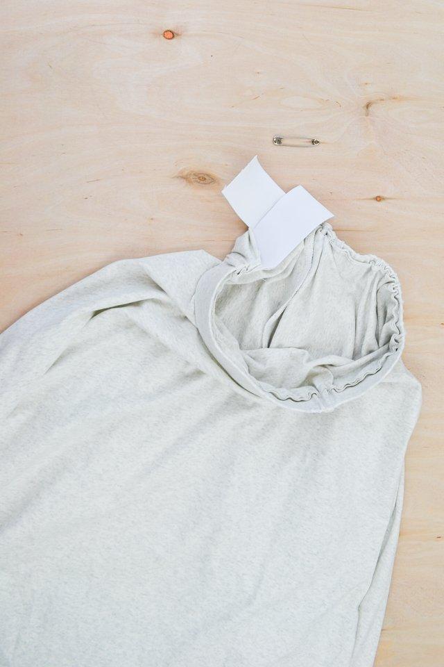 insert elastic to waistband